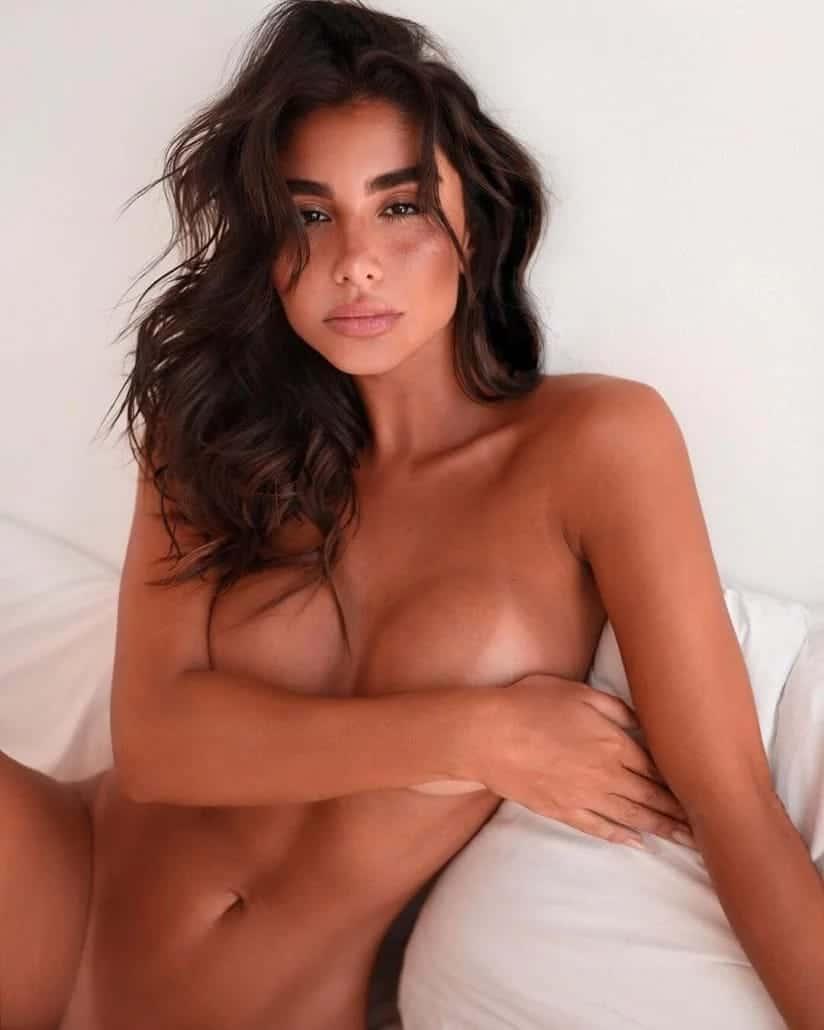 TANIA (4)